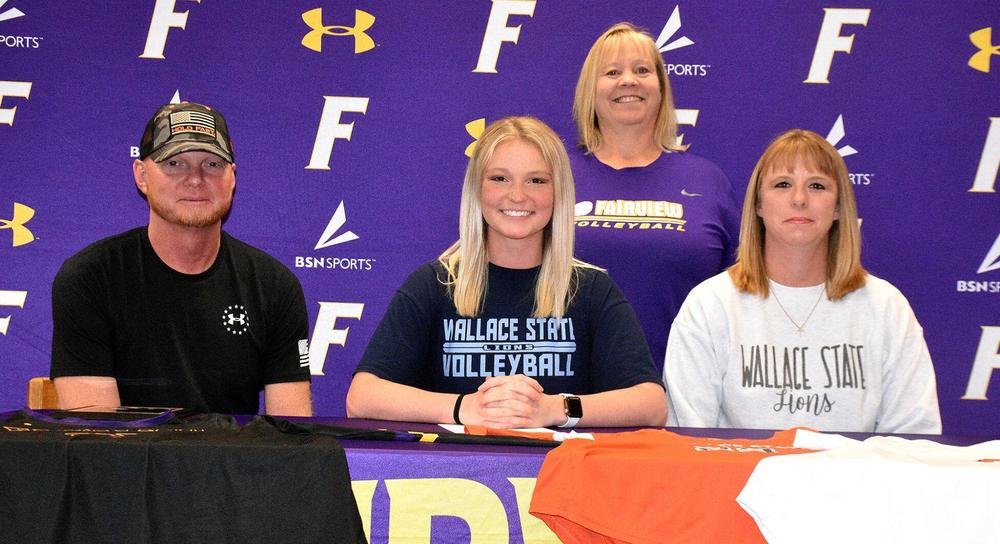 Daisy Manasco Signs with Wallace State